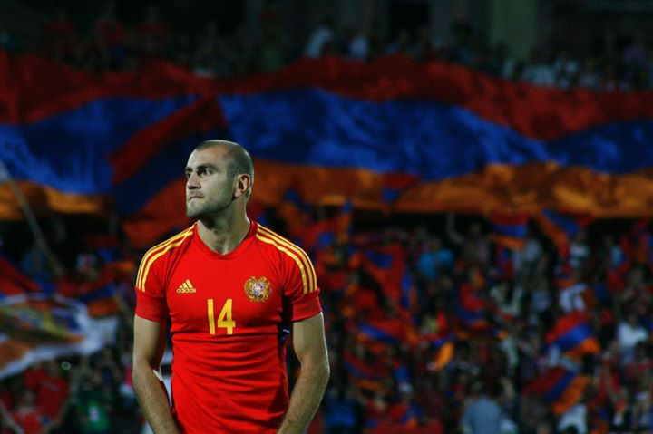 Yura Movsisyan before a game with the Armenian National Team.